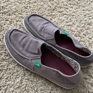 Sanuk slip on - great condition and super comfy